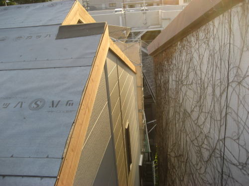 大屋根破風板取り付け工事(北面)