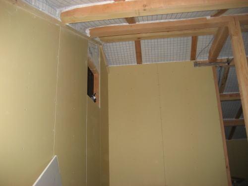天井収納庫ボード貼り工事