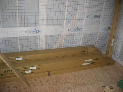 1F建具枠材搬入