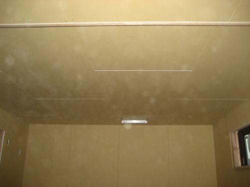 2F書斎天井ボード貼り工事