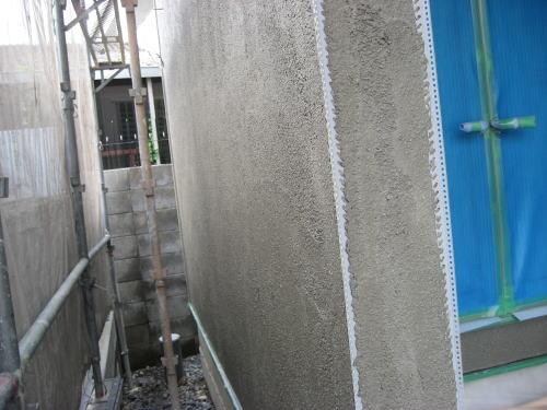 外壁モルタル塗り(下塗り)