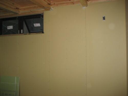 1F壁ボード貼り
