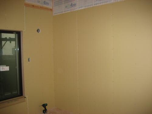 1F和室壁ボード貼り工事
