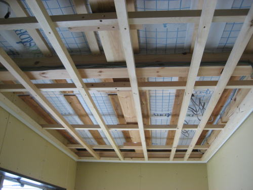 玄関上天井下地工事