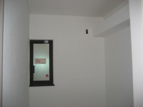 クロス貼り工事(2Fトイレ)