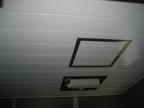 浴室バスパネル貼り及びガスカワック吊り込み