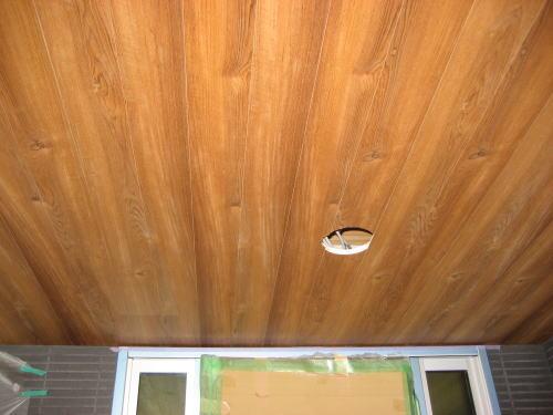 ポーチ天井材料塗装工事