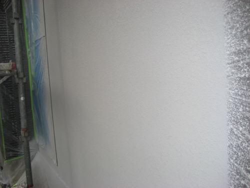 外壁吹き付け塗装工事(仕上げ吹き)