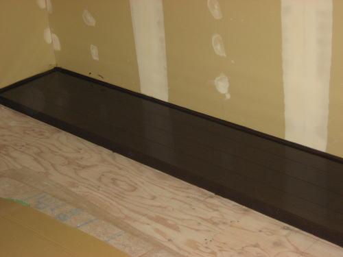 1F和室エンコ板塗装(下塗り)