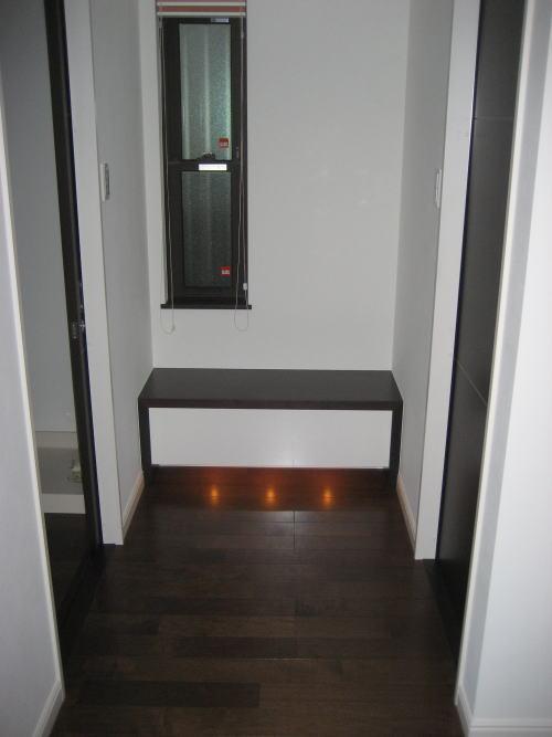 1Fトイレ洗面前室